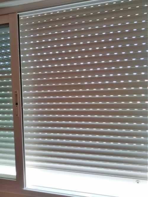 Como arreglar una persiana atascada awesome persiana - Arreglar una persiana ...